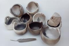 Paniers, grès enfumé, hauteur 6 à 10cm, diamètre 11 à 13cm