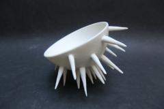 Oursin, bols à picots, porcelaine, diamètre20cm.
