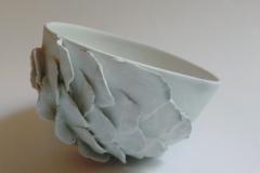 Bol de pétales, porcelaine, diamètre 12cm.