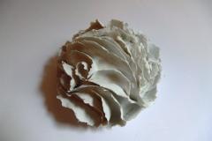 Bols à feuillets, porcelaine, diamètre 12cm.